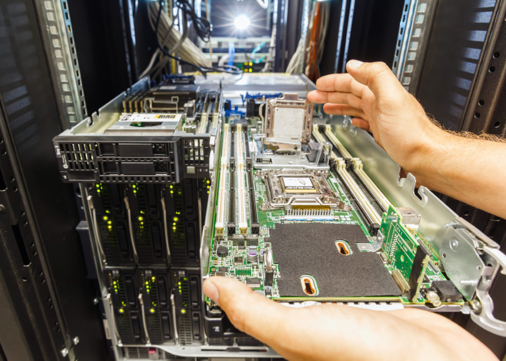 replacement of faulty blade server in chassis, the platform virtualization in the data center server rack